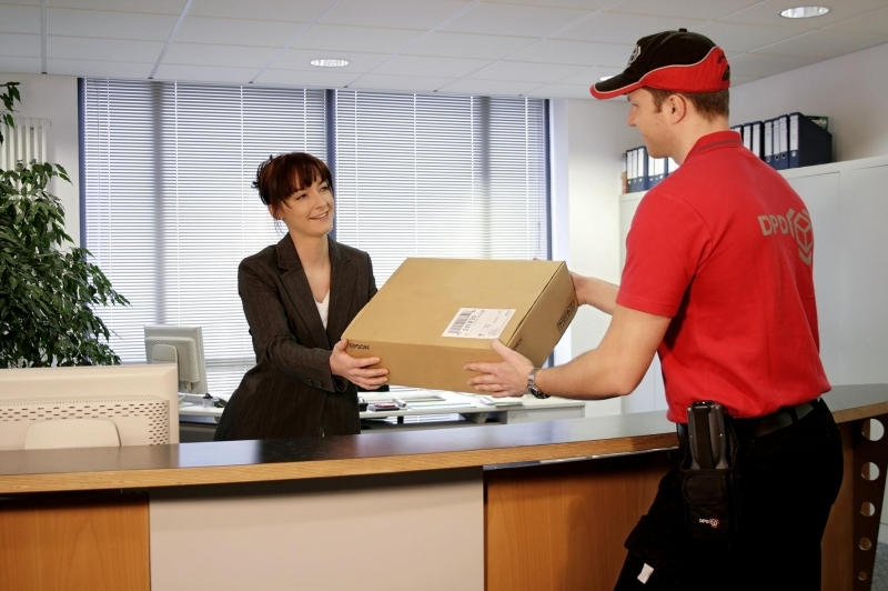 Buyers online get used to pick up goods at points of delivery