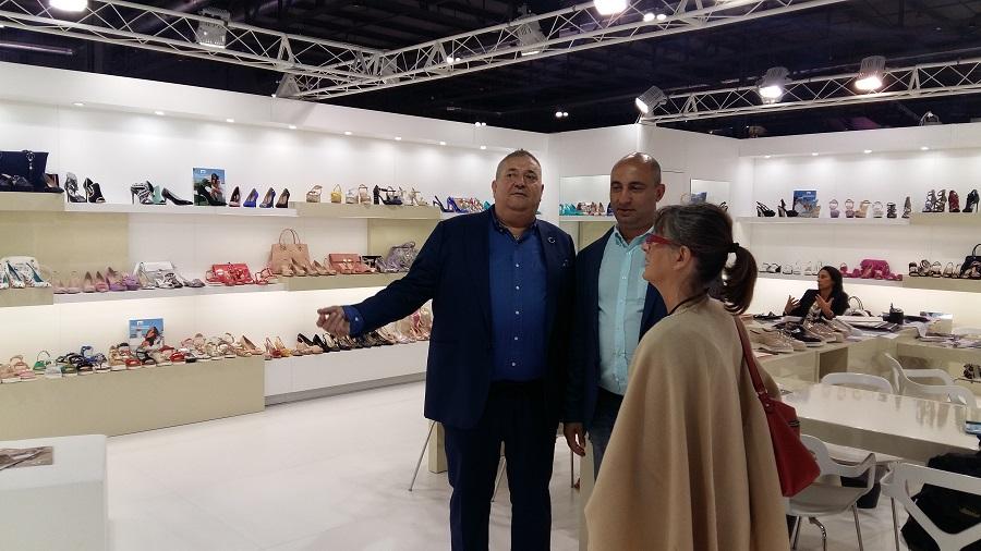 a57a7e435 ... Украины и Казахстана. Shoes Report коротко побеседовал с Марино Фабиани  на выставке The Micam, которая проходила в сентябре в столице моды Милане.