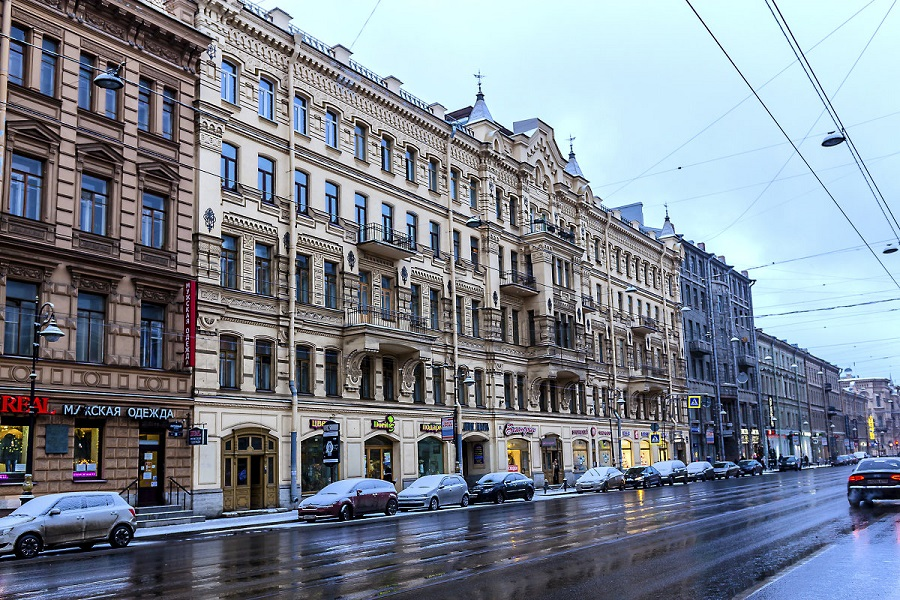 In St. Petersburg, there is a rotation of tenants of trading floors