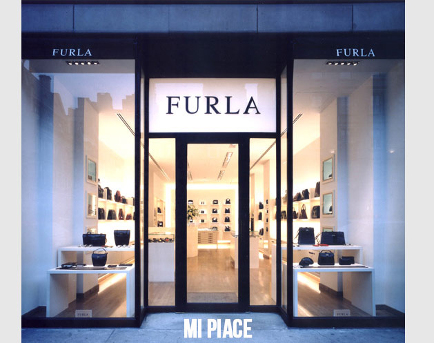 Furla store opens in Outlet Village Pulkovo outlet center
