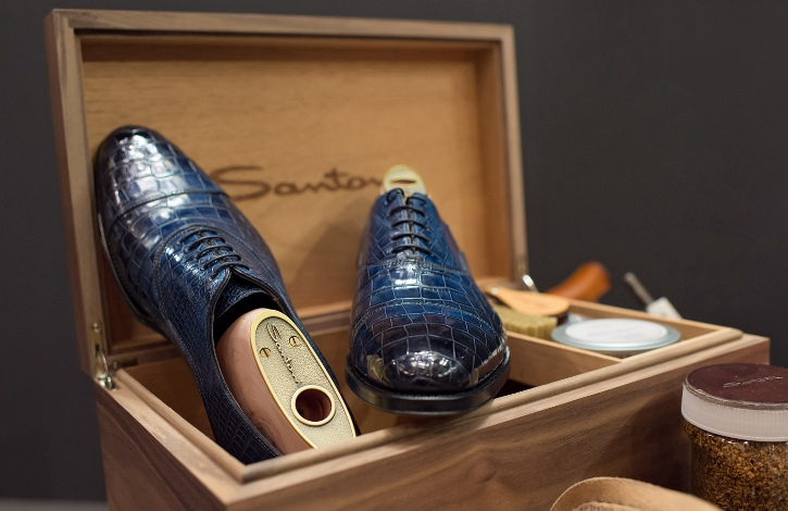 Santoni will provide the opportunity to paint shoes to order