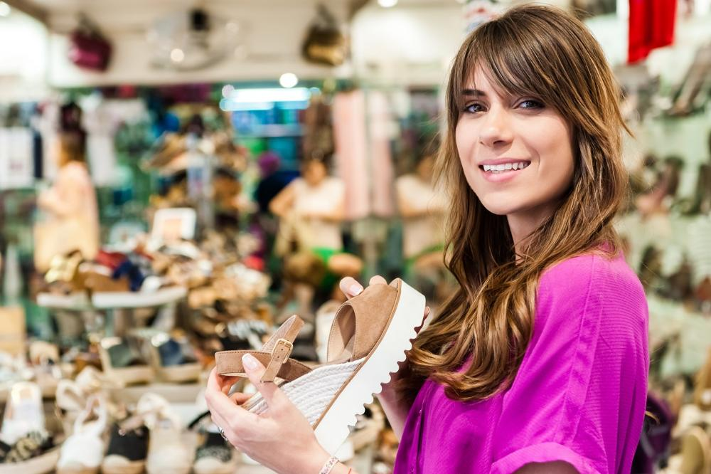 What do customers want? Service management in a shoe store: modern approaches