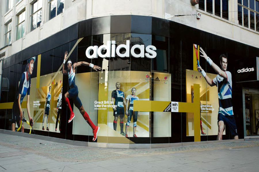Adidas halves net loss in Russia in 2017 year