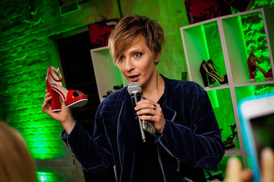 Yana Churikova, MTV and Betsy presented a collection of spring-summer shoes 2017