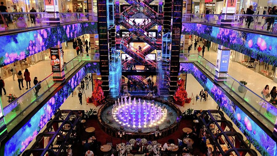 Los moscovitas vuelven a los centros comerciales