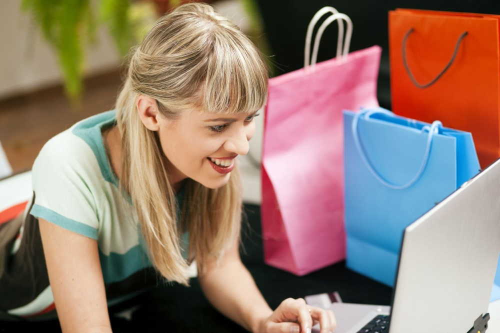 Shoe brands reinforce online presence