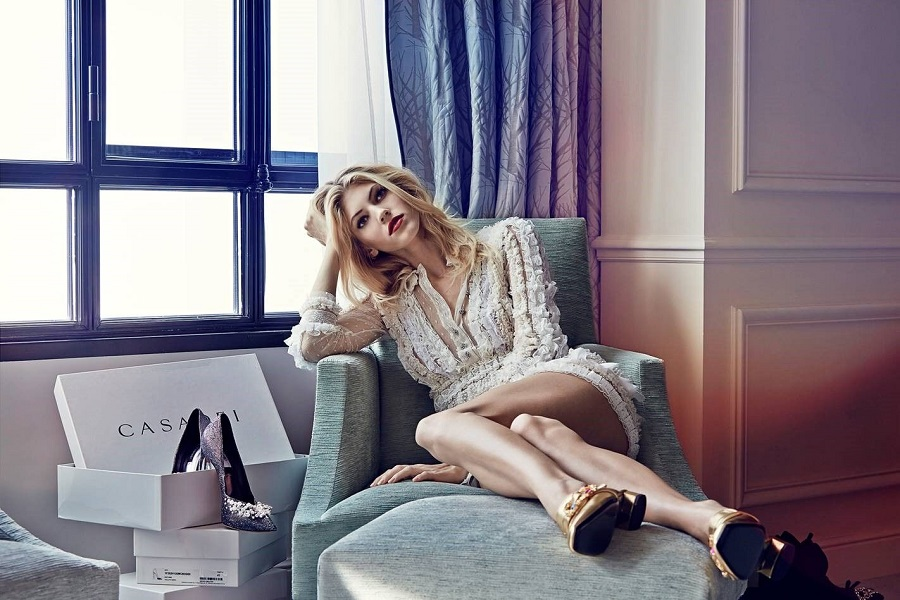 Casadei made a video with American top model Devon Windsor