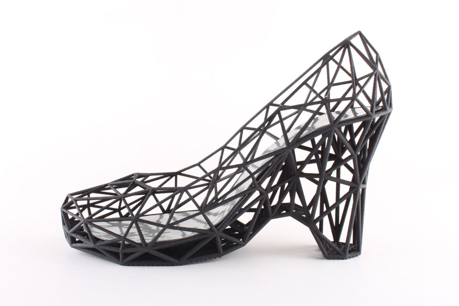 1С invests in the creation of virtual shoe fitting technology