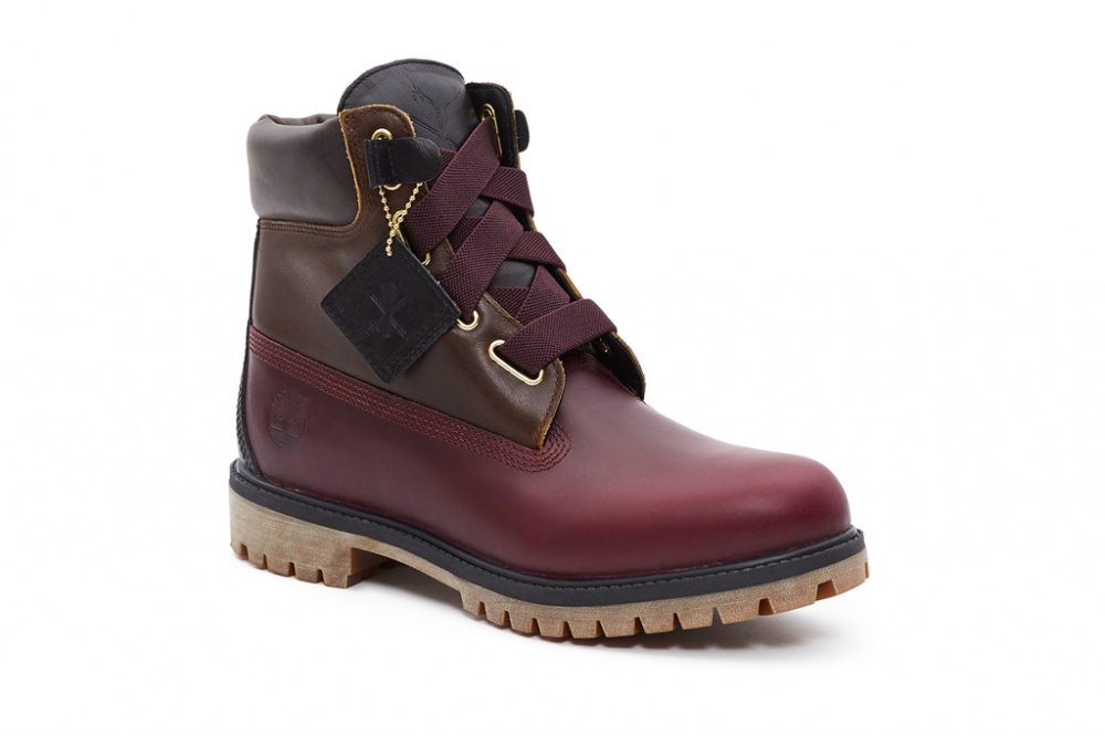 Wide laces added chic to the classic Timberland model
