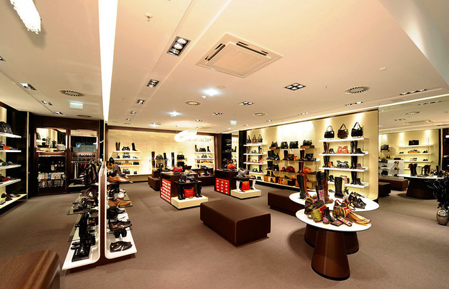 Since the beginning of the year, 7% of clothing and footwear stores have been closed in Moscow
