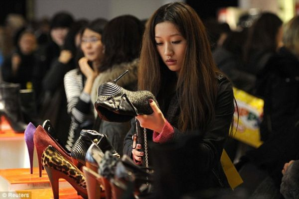 The Central Department Store marks the buying activity of Chinese tourists