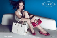 Anne Hathaway starred in Tod's new commercial