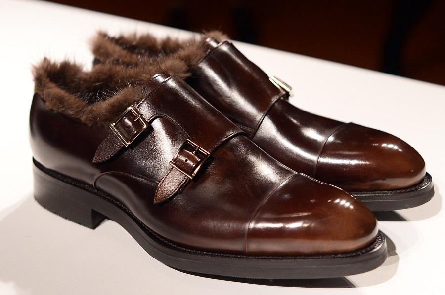 Santoni presented a collection of men's shoes autumn-winter 2017-18
