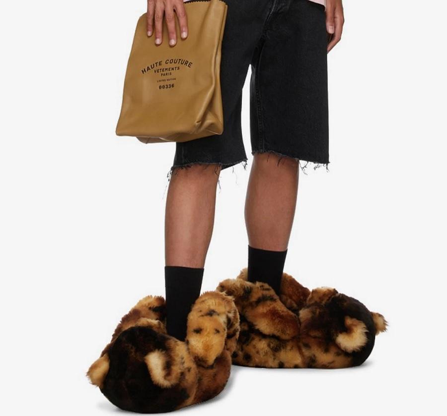 Vetements bot an, Teddybären-Füße für 2000 Dollar anzuziehen