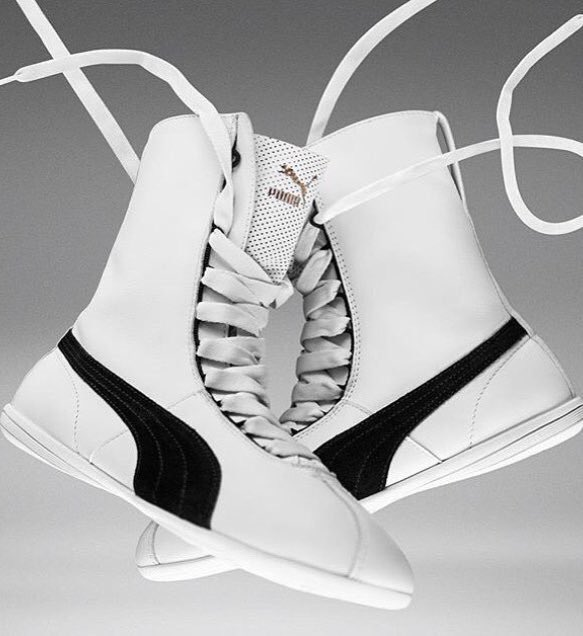 PUMA introduced the new women's shoes Eskiva