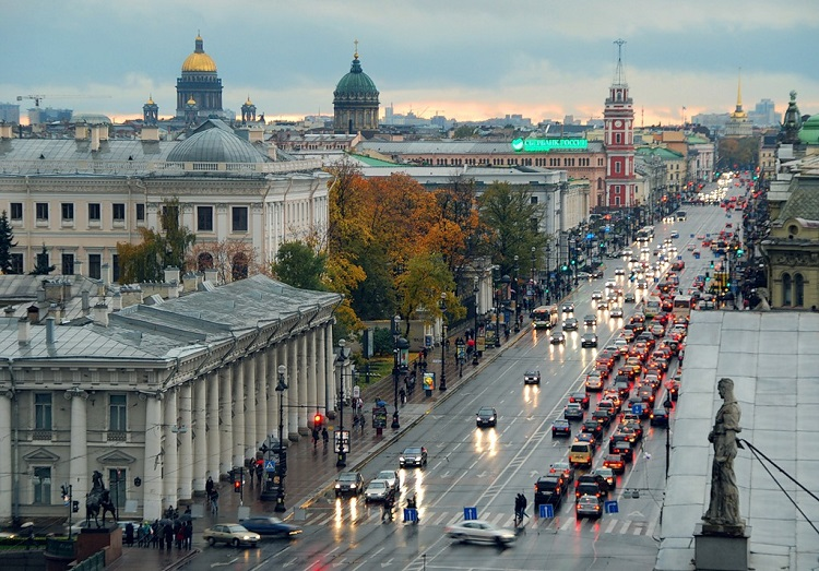the share of vacant premises on the main shopping streets of St. Petersburg increased