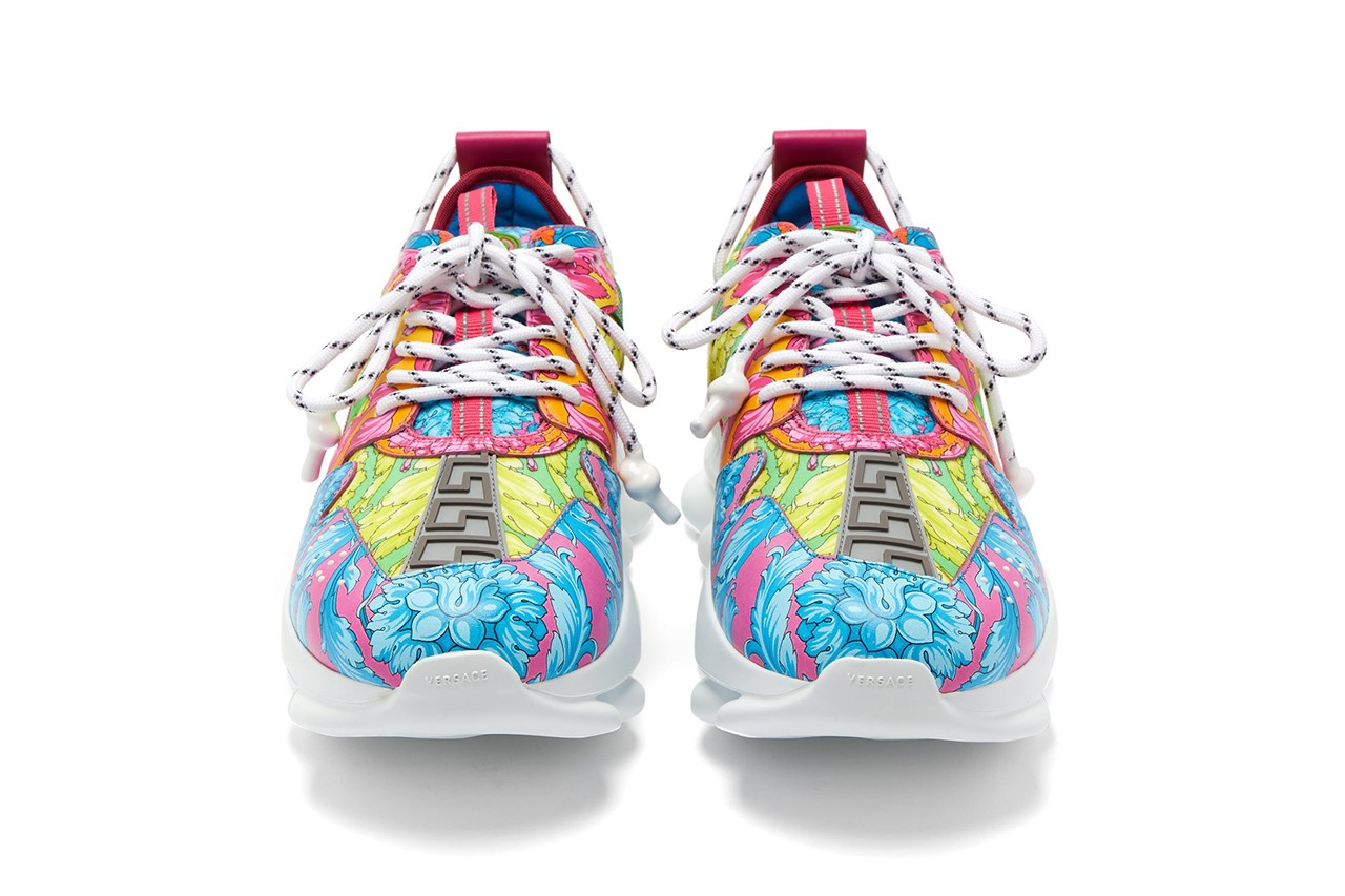 Sneakers Versace Chain Reaction, $ 1,048. Photo: hypebeast.com