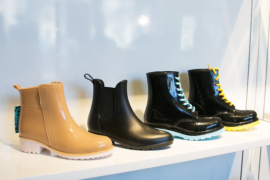 Obuv Rossii launched test sales of rubber shoes under the all.go brand