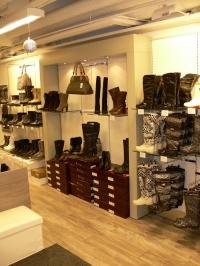 """""""Hija"""" del fabricante ruso de zapatos ha abierto una tienda en Finlandia"""