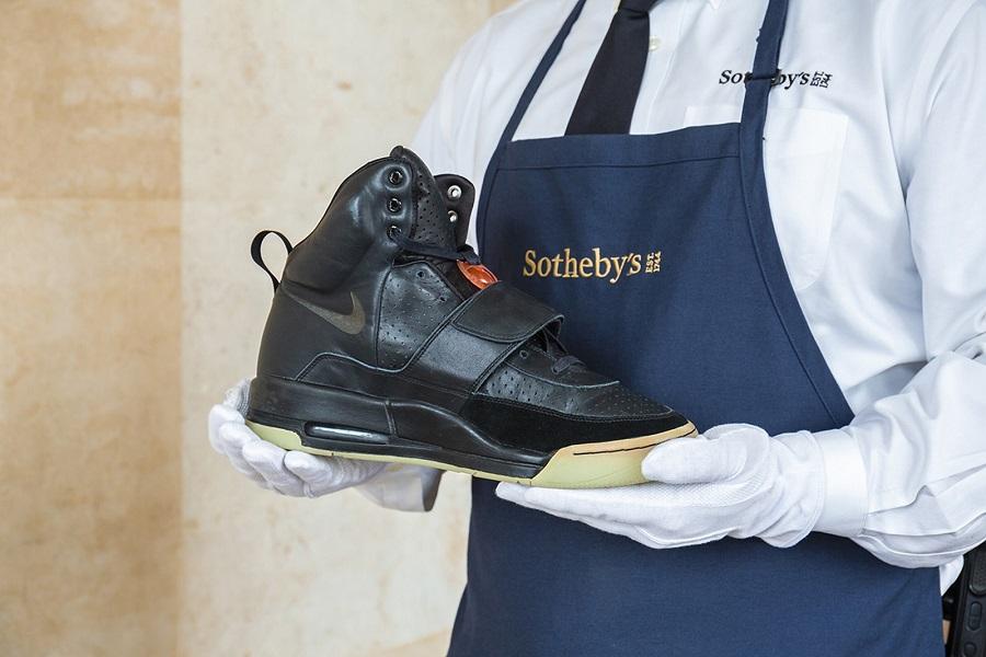 Sotheby's exhibirá zapatillas por un millón de dólares, de Kanye West