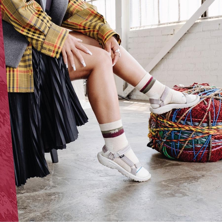 Teva ha rilasciato una collaborazione con il marchio di calze Stance