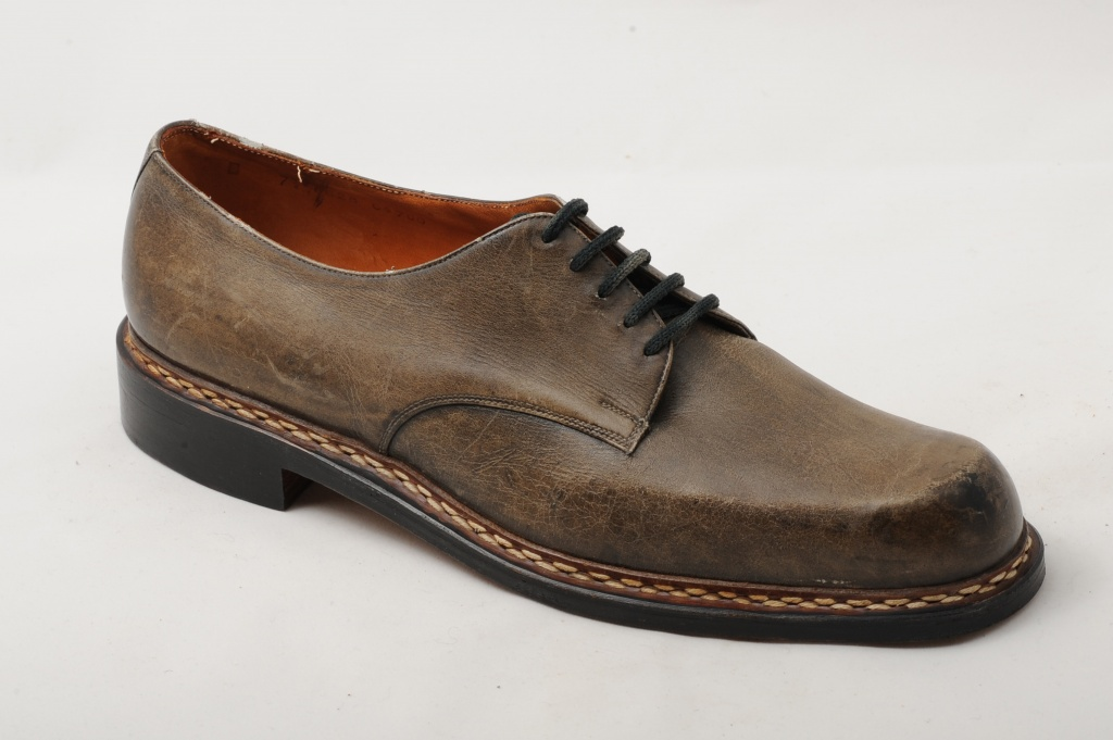 Elegant men's leather shoes