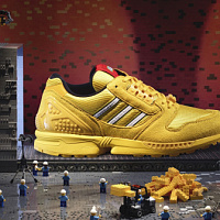 "adidas Originals e LEGO Group svelano la collezione ZX 8000 ""Bricks"""