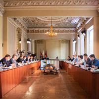 Il ministero dell'Industria e del Commercio della Russia ha discusso le misure a sostegno dell'industria leggera nel periodo successivo