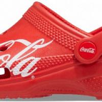 Crocs ha rilasciato una collaborazione con Coca-Cola
