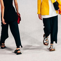 Modified loafers and birkenstocks are key Proenza Schouler spring-summer 2022 models