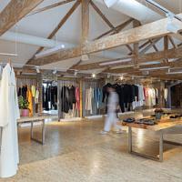 Conceptual Store der georgischen Designer IERI Store startet Online-Shop mit weltweiter Lieferung