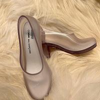 COMME des GARÇONS y Melissa lanzan zapatos de tacón transparentes
