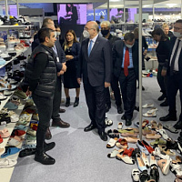 Turkish Ambassador to Russia Mehmet Samsar - again at Euro Shoes