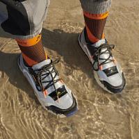 Adidas by Stella McCartney presenta una nuova eco-collezione per la stagione autunno-inverno 2021