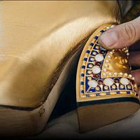 """Wie die goldene """"Egyptian"""" -Schuhkollektion """"Metiers d'Art-2019"""" für die Chanel-Modenschau im Dezember kreiert wurde"""