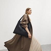 Vagabond Shoemakers ha presentato una collezione di borse dal design minimalista