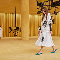 The main model of the Prada Spring-Summer 2021 collection is the cat-heel shoes