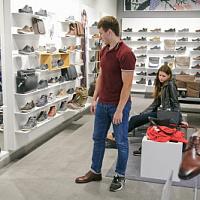 Im ersten Halbjahr 2021 stieg die Zahl der Käufe im traditionellen Einzelhandel um 69 %