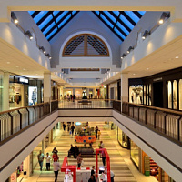 Attendance in Moscow shopping centers in October fell by 20%