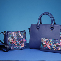Avon has released a collection of accessories with the Moscow Solstudio Textile Design
