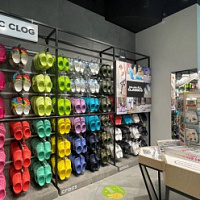 "Crocs has updated the retail concept of stores in two Moscow ""Mega"""