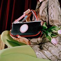 Trussardi e le sorelle Venturini lanciano una nuova collezione di borse